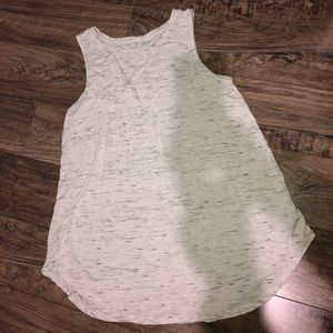 Old Navy white speckled tank🤍